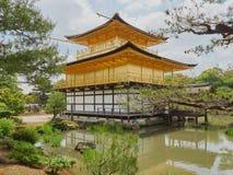 guld- kyoto paviljong Arkivbilder