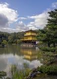 guld- kyoto tempel Arkivfoton
