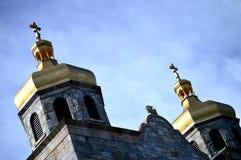 Guld- kyrkliga torn Fotografering för Bildbyråer