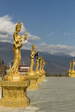 Guld- lagar nära stor Buddhapunkt i Thimphu Bhutan Arkivbild