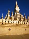 guld- laos stupa vientiane Arkivfoton