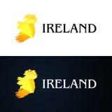 Guld- logo med den Irland konturen Royaltyfria Bilder
