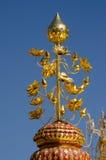 Guld- lotusblomma, Thailand tempel Arkivbilder