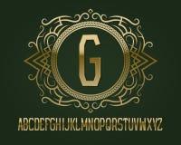 Guld- monogrammall i rund mönstrad ram med behagfullt alfabet vektor illustrationer