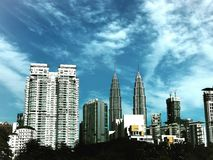 Guld- morgon i den Kuala Lumpur metropolisen arkivfoto
