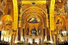 Guld- mosaik i den LaMartorana kyrkan i Palermo Italien arkivbild