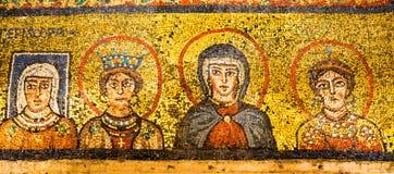 Guld- mosaik i thkapell av Zeno, basilikadi Santa Prassade, royaltyfria bilder