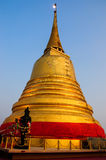 Guld- Moutain tempel i bangkok Royaltyfri Bild