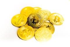 Guld- mynt för Bitcoin mynt, bunt av cryptocurrenciesbitcoinisola Arkivfoto
