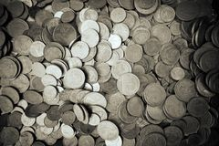 Guld- mynt och gammalt mynt Arkivbild