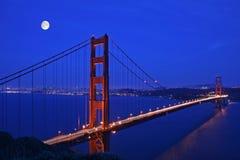 guld- natt för broport Royaltyfri Fotografi