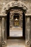 guld- nepal patan tempel Arkivfoton
