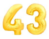 Guld- nummer 43 fyrtiotre gjorde av den uppblåsbara ballongen på vit Arkivbilder