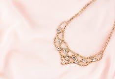 Guld och Diamond Necklace Fotografering för Bildbyråer