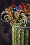 Guld och gemstones arkivbilder