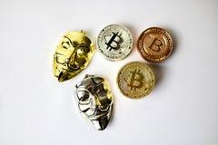 Guld- och mässingsbitcoins för silver Arkivfoto