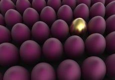 Guld- och purpurfärgade ägg för påskbakgrund Arkivfoton