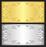 Guld- och silvergåvakupong med den damast prydnaden Royaltyfria Bilder
