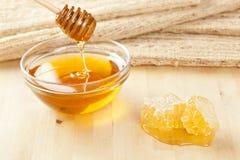 Guld- organisk honung Royaltyfri Fotografi