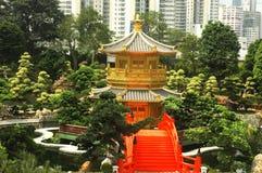 guld- orientalisk paviljong Arkivfoton