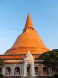 guld- pagoda Royaltyfri Foto