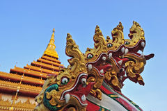 Guld- pagoda på det Wat Nong Wang tempelet, Khonkaen Thailand Royaltyfri Foto