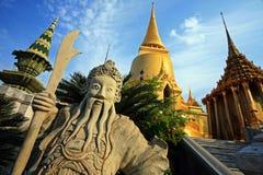 guld- pagoda thailand Arkivbild