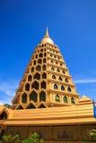 guld- pagoda thailand Arkivfoto