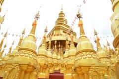 500 guld- pagoder Royaltyfri Fotografi