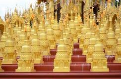 500 guld- pagoder Arkivbild