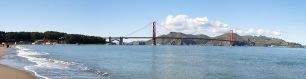 guld- panorama för broport Arkivfoto