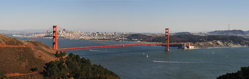guld- panorama för broport Royaltyfri Foto