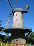 guld- parkwindmill för port Royaltyfri Foto