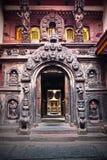 guld- patan s tempel för ingång till Royaltyfri Bild