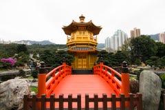Guld- paviljong (paviljongen av absolut perfektion) Fotografering för Bildbyråer