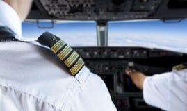Guld- pilot Badge för skuldra royaltyfria bilder
