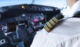 Guld- pilot Badge för skuldra royaltyfri bild