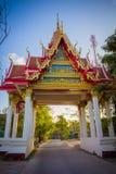 Guld- port av den buddistiska monasyeryen i Samui, Fotografering för Bildbyråer