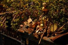 Guld- roman staty i Montpellier arkivbilder