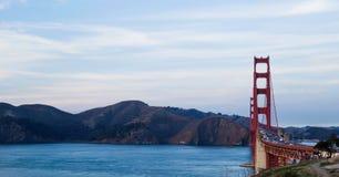 Guld- San Francisco utfärda utegångsförbud för överbryggar arkivfoto