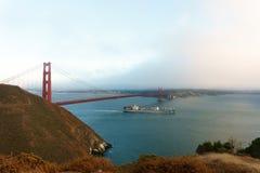 Guld- San Francisco utfärda utegångsförbud för överbryggar Arkivbilder