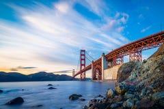 Guld- San Francisco utfärda utegångsförbud för överbryggar Royaltyfria Foton