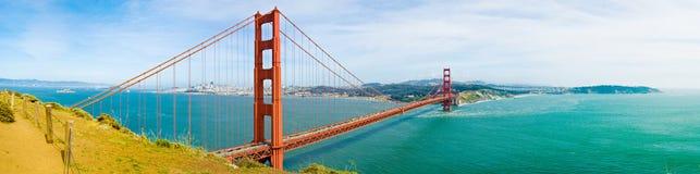 Guld- San Francisco utfärda utegångsförbud för överbryggar Royaltyfria Bilder