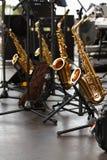 guld- saxofoner Arkivbild