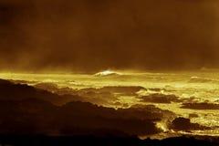 Guld- segla utmed kusten i påskön Royaltyfri Foto