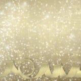 Guld- siden- band på en härlig abstrakt bakgrund Royaltyfria Foton