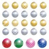 Guld- silver tjugofyra för julgranbollar Royaltyfri Fotografi