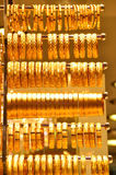 Guld- smycken i storslagen basar Royaltyfri Foto