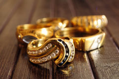 Guld- smyckencloseup royaltyfri foto