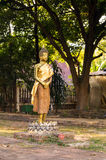 Guld- stående sol BuddhaChiang Mai Thailand för sen eftermiddag Royaltyfria Foton